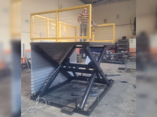 YMK Scissor Lift Platforms